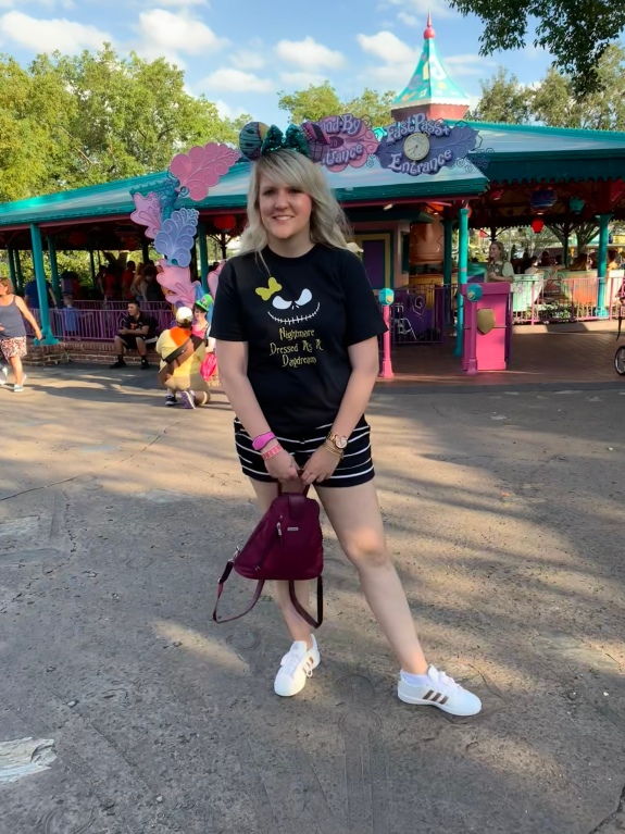being mrs. fowler, savannah mom blogger, baggallini metro backpack, disney world, toddler style