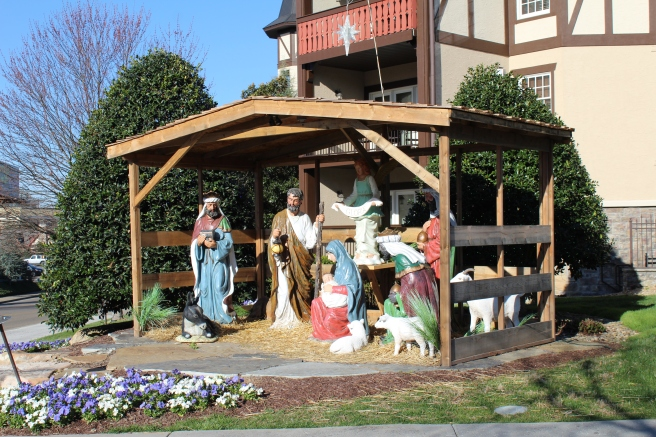 Being Mrs. Fowler, Savannah Travel Mom Blogger, Inn at Christmas Place, Gatlinburg and Pigeon Forge Vacation (11)