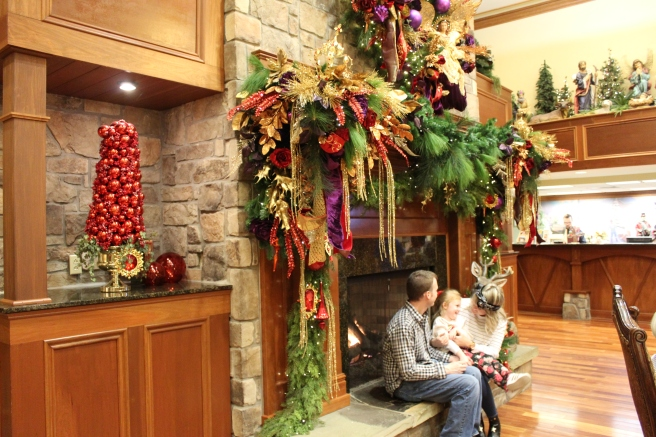 Being Mrs. Fowler, Savannah Travel Mom Blogger, Inn at Christmas Place, Gatlinburg and Pigeon Forge Vacation (26)