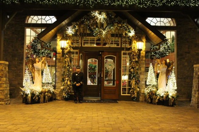 Being Mrs. Fowler, Savannah Travel Mom Blogger, Inn at Christmas Place, Gatlinburg and Pigeon Forge Vacation