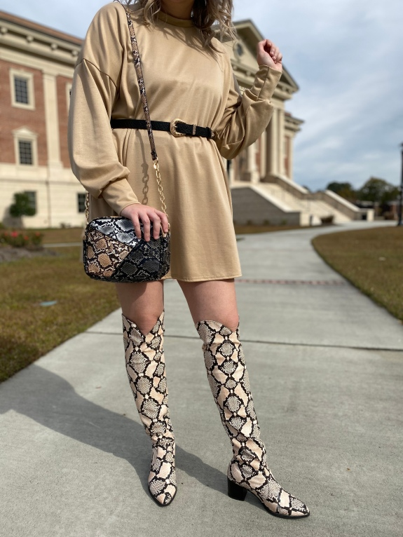 Savannah Blogger, Being Mrs. Fowler, Shares 5 Things to Do on Christmas Break, Atlanta Dentist, Women's Fall Outfit Idea